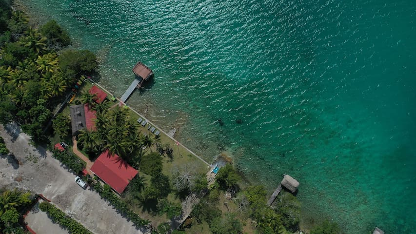 Cabaña frente a laguna Bacalar con 2 habitaciones