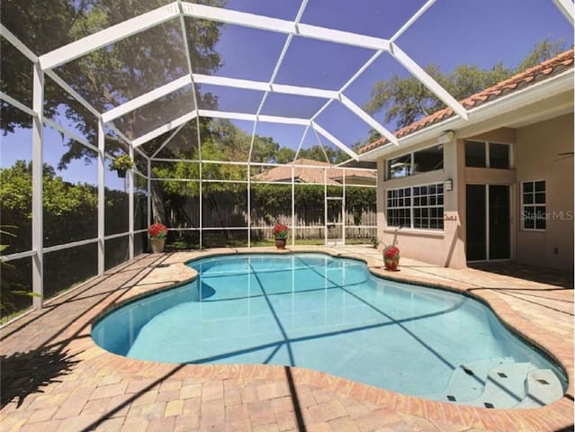 Private haven w/ King bed & heated pool near beach