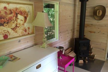 Hyggeligt lille sommerhus på landet - Dronninglund