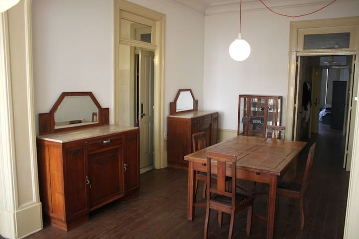 Beautiful Apartment in Best Area of Porto Downtown - Porto - Appartement