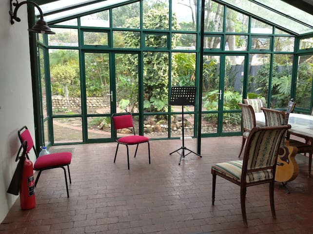 Practice room for musicians in Main Street, Paarl