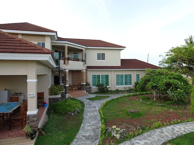 Amazing palatial private house with ocean views. - Bantayan