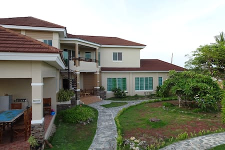 Amazing palatial private house with ocean views. - Bantayan - Rumah