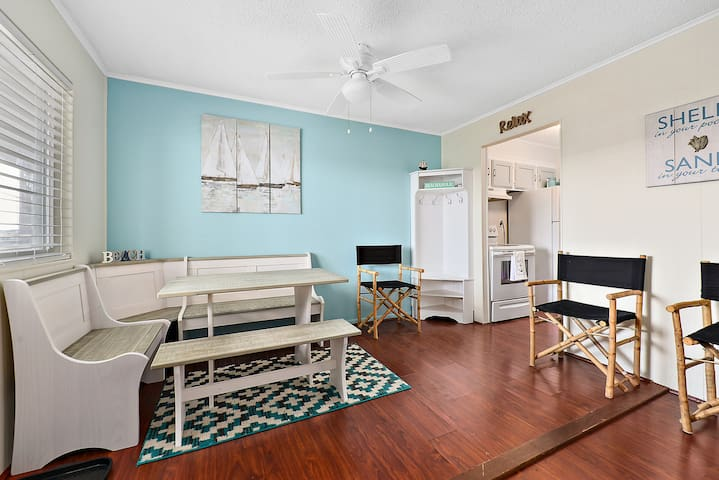 Bayside 2 Bedroom with outdoor pool