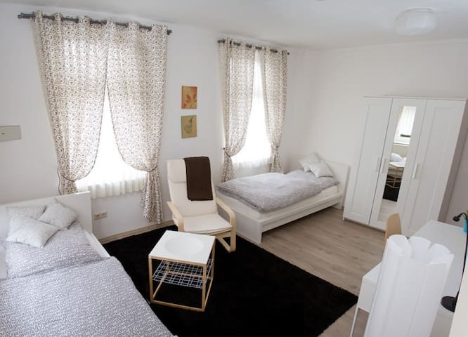 Gemütliches Zweibettzimmer - Bielefeld - Casa