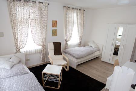 Gemütliches Zweibettzimmer - Bielefeld