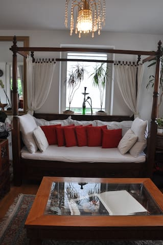 Balinese Charming & Homey House, Close to Zurich - Nussbaumen - Hus