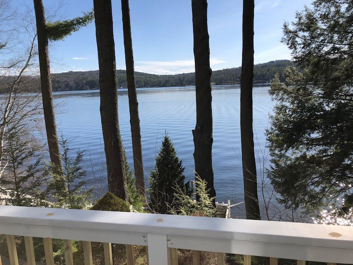 Waterfront Crystal Lake NH home perfect for family