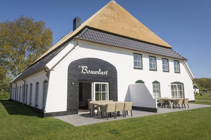 Apartment in tasteful farmhouse in De Cocksdorp, on the Wadden island of Texel