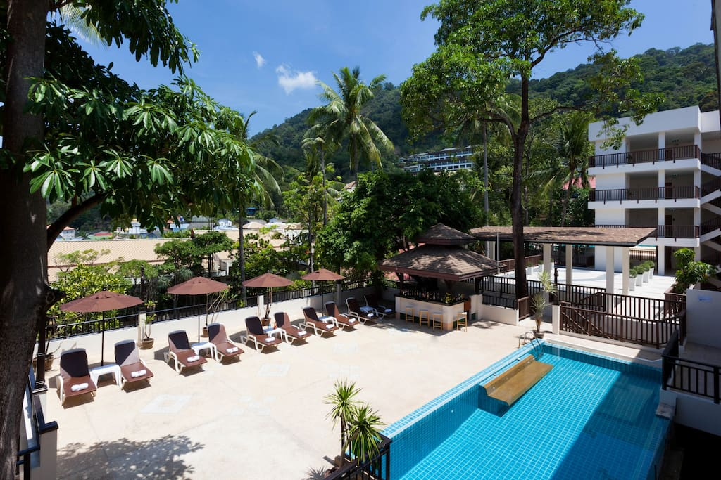 Deluxe Swimming Pool, Patong Lodge Hotel.