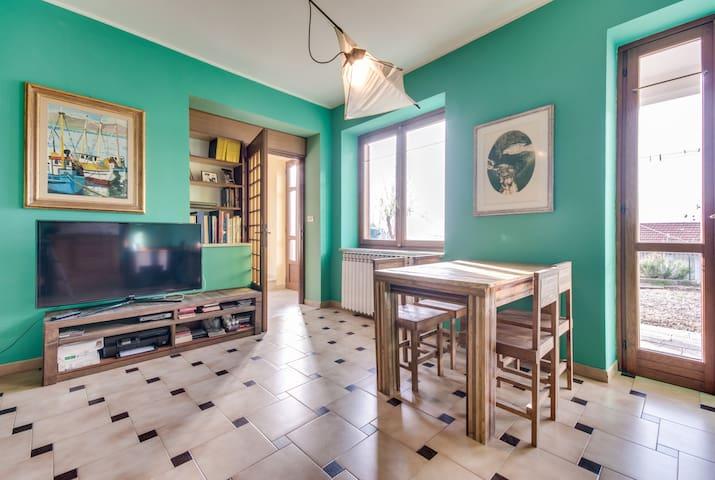 STANZE IN CASETTA IMMERSA NEL VERDE - Rubiana - Villa