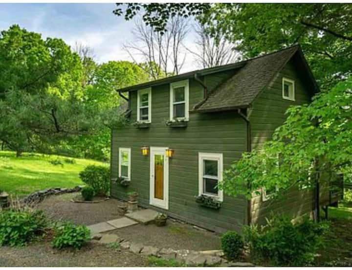 Private High Falls Cottage with Porch and Parking!