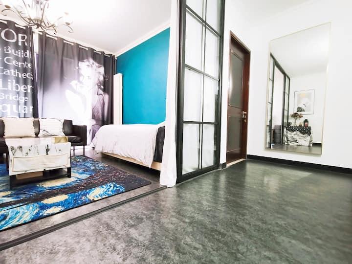 【富力城】超高档小区的客厅单人床,位于双井地铁旁,给五湖四海的背包客一个温馨歇息的家