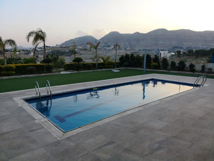 Experience Jericho Pool Villa @Earth lowest point