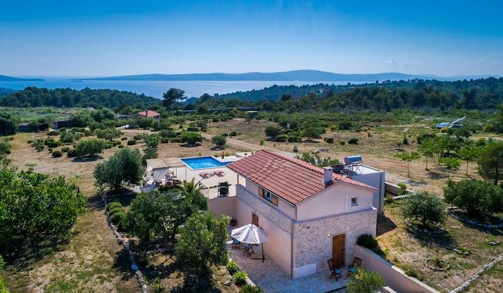 Private villa Definis  in spacios area