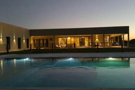 Hotel/House8BR for 24person, Chacra - exaltacion de la cruz
