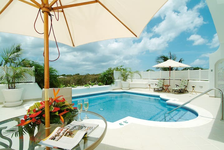 3 Bedroom Villa; Private Swimming Pool; Near Beach