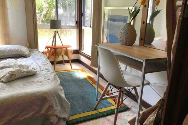 serene cottage in the middle of trendy bulimba