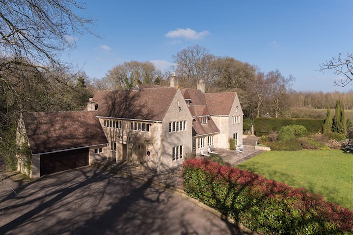Outstanding Large Family House - Bath - Hus