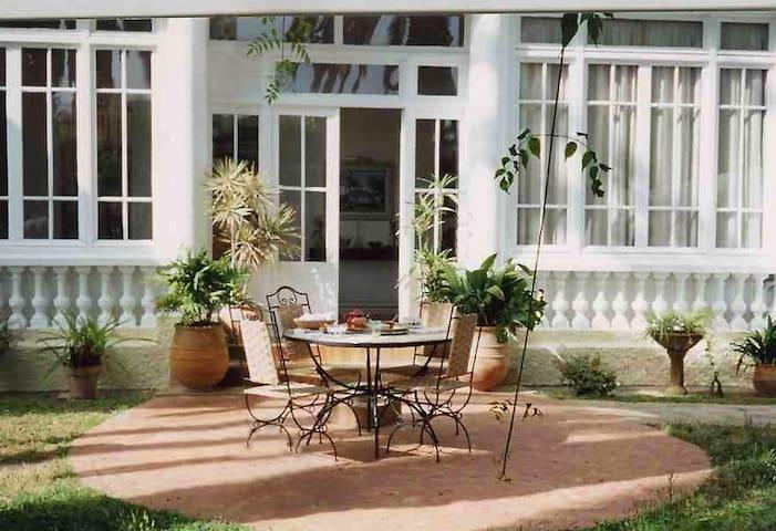Une terrasse conviviale.