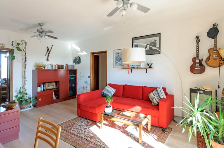 private room/apartment in Reggio E. - Reggio Emilia - Leilighet
