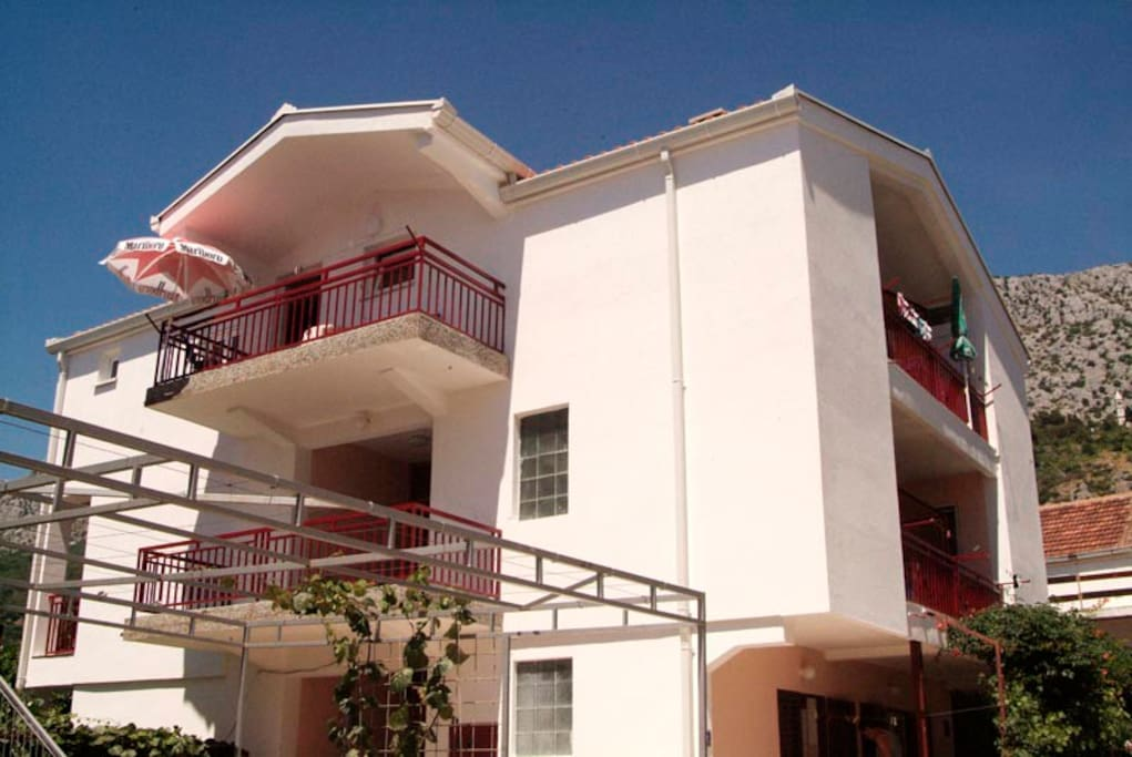 PRIMORAC APARTMENTS*** view on the house with balconies