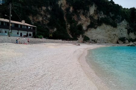 Fetsis Apts,on the beach,literally! - Agios Nikitas