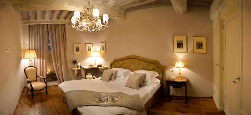 Deluxe Master Room in Cortona - Cortona - Bed & Breakfast