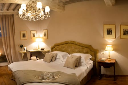 Deluxe Master Room in Cortona - Cortona