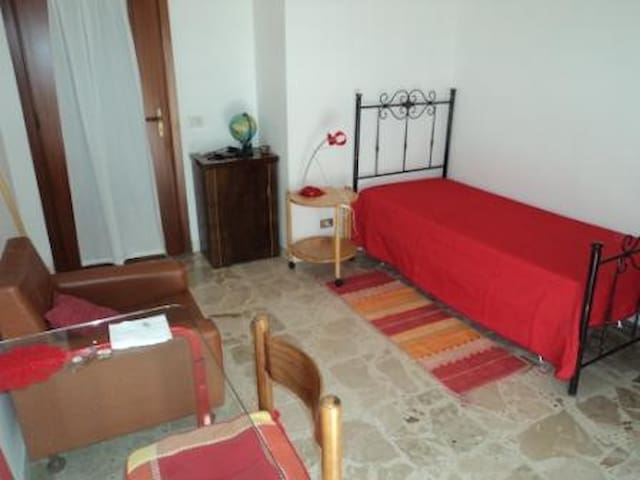 rent bed in bright single - Enna - Daire