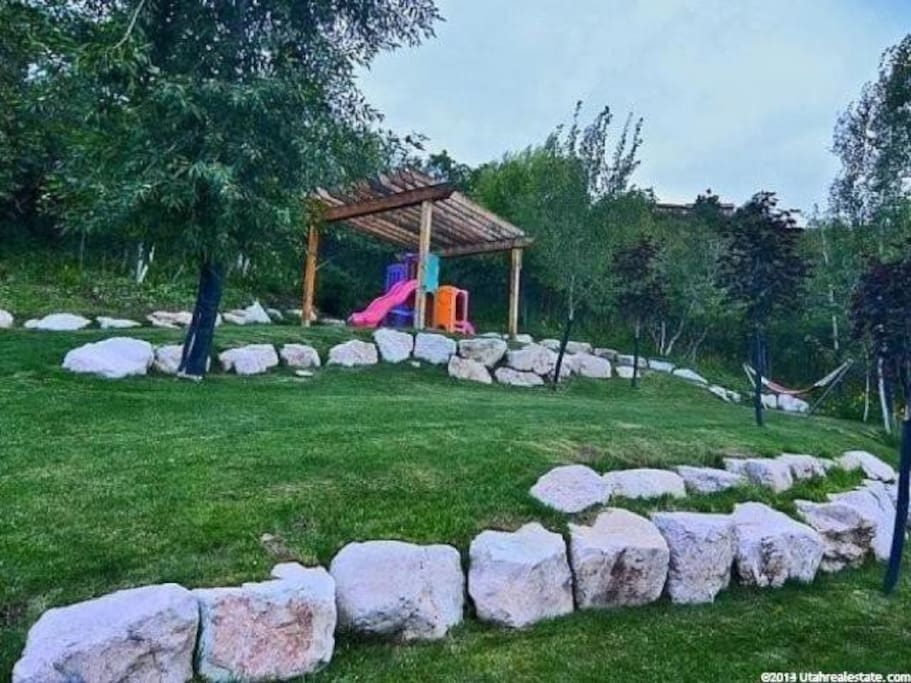Across from the pool is a play area and spot to picnic if you're so inclined!