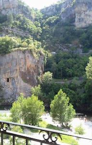 Gîte Panoramix au bord de la rivière