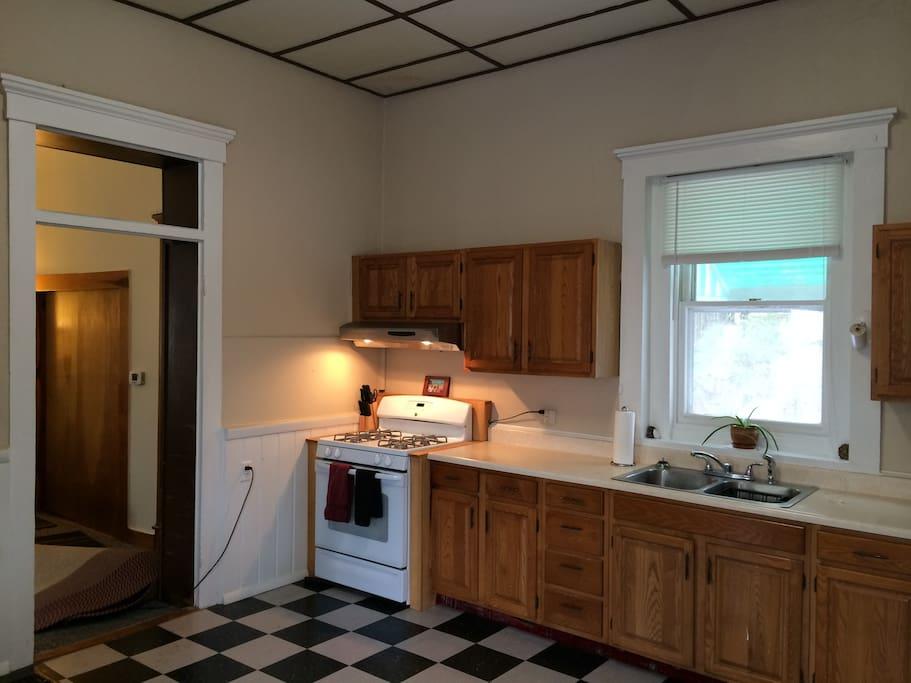 Gas stove, oven, microwave & refridgerator