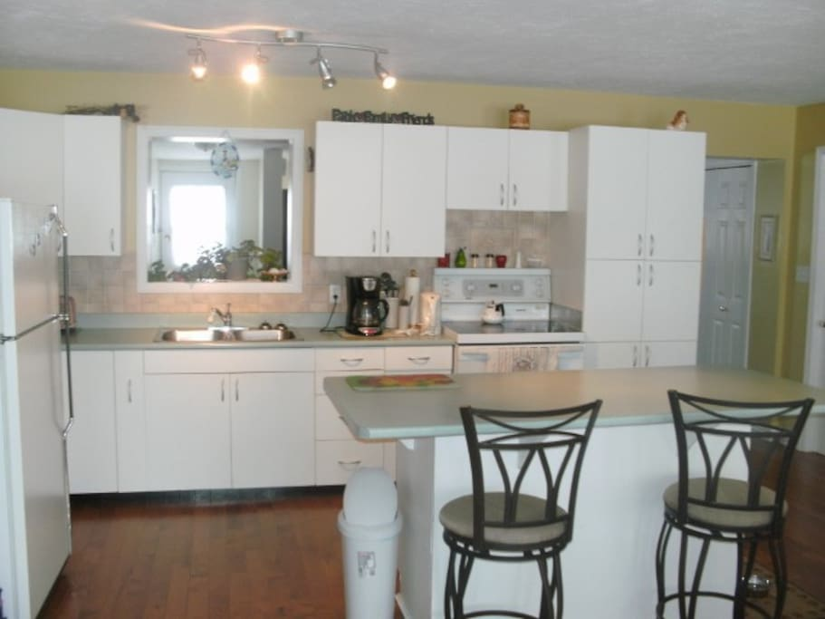 Cottage includes all amenities for a relaxing stay.