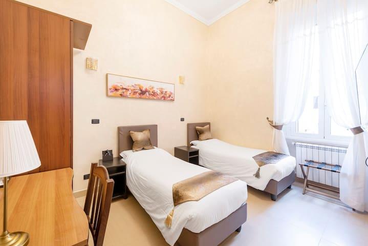 Welcome to Joyful Guesthouse Twin/Double Room