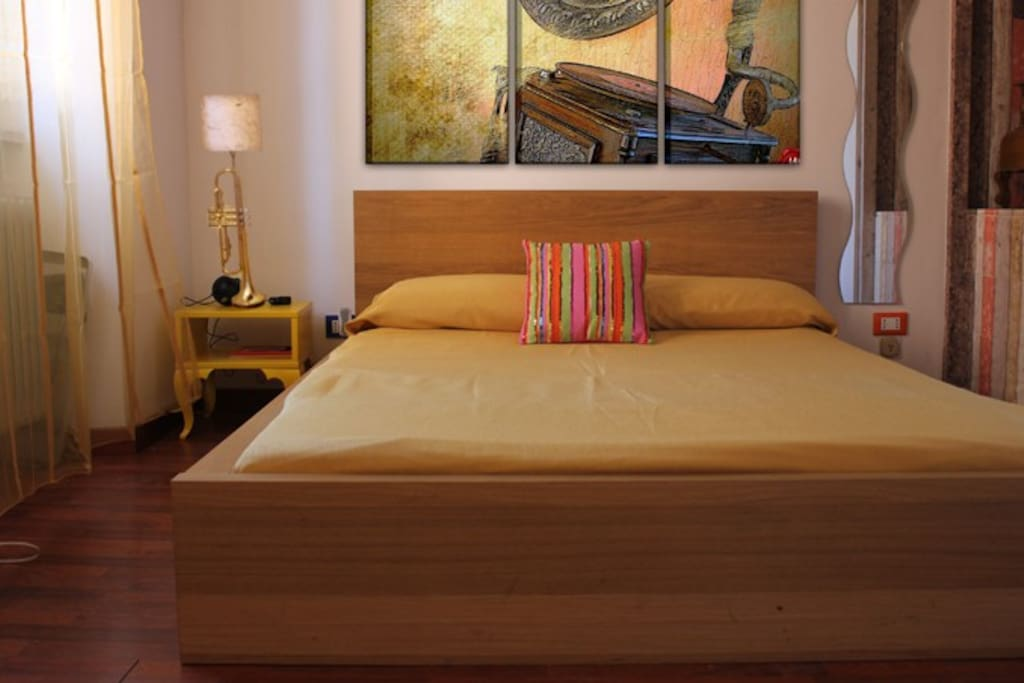 "Stylish Retrò Bedroom, or ""The Grammophone Room""!"