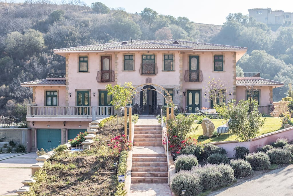 Malibu italian tuscany home estate houses for rent in for Malibu mansions for rent