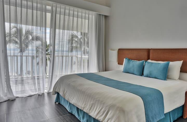 Charming Bayfront View 1BDR Apartment (VI-302)