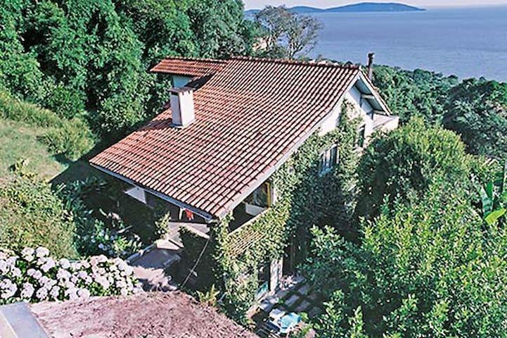 House short-term in Porto Alegre - Porto Alegre - Casa