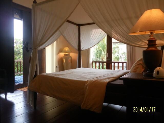 Bedroom queen spring bed