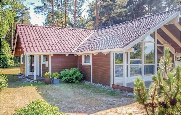 Stunning home in Dorf-Zechlin with 3 Bedrooms