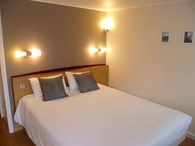 Double Room in Value Stay Brugge - Bruges - Daire