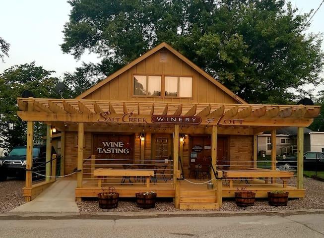 Salt Creek Wine Loft, Brown County