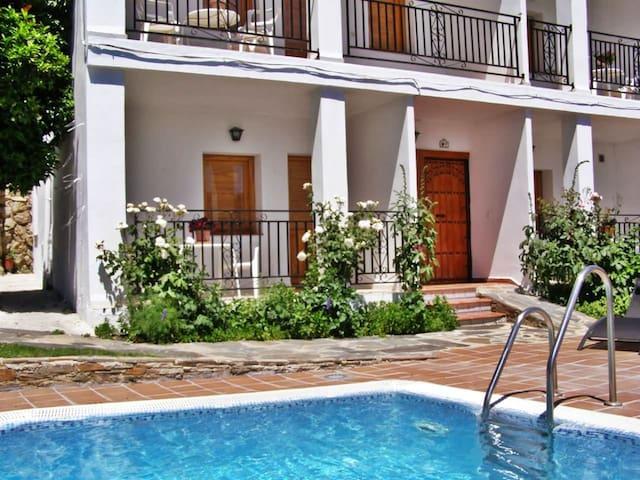 Coqueto apartamento con Jacuzzi de dos plazas - Mecina Bombarón - Apartmen