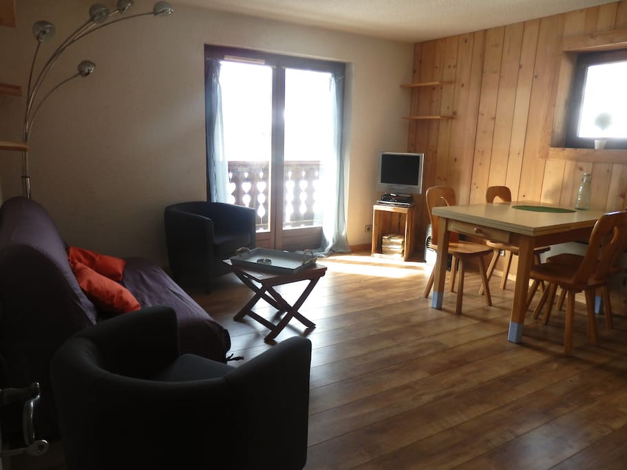 appartement id al t comme hiver chalets for rent in praz sur arly rhone alpes france. Black Bedroom Furniture Sets. Home Design Ideas