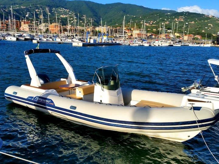 Nakiros - Rib Boat Capelli 770 Sun