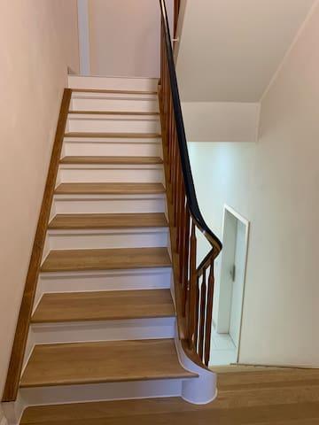 Treppenhaus zu Wohnung 3 Obergeschoss