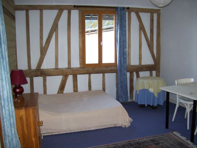 studio near AMIENS & battlefields - Hangest-en-Santerre - Appartement