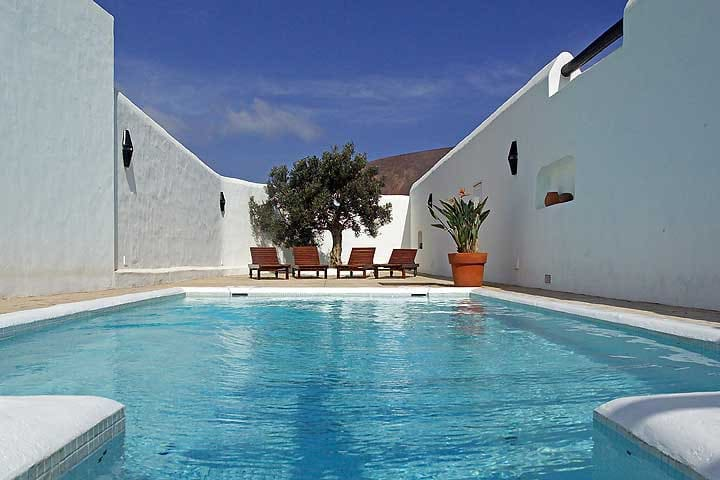 Luxurious reformed Finca with private heated Pool
