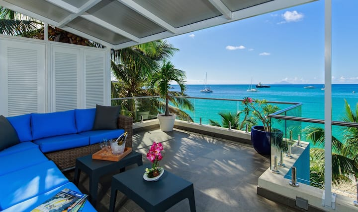 Le Papillon -Modern, beachfront, 550sq. ft terrace